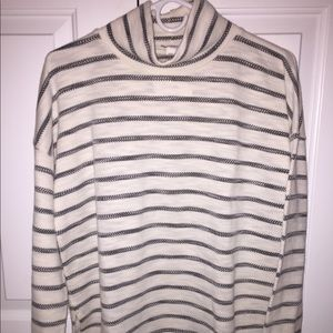 JCREW SUPER SOFT MOCK TURTLENECK SWEATSHIRT!!!